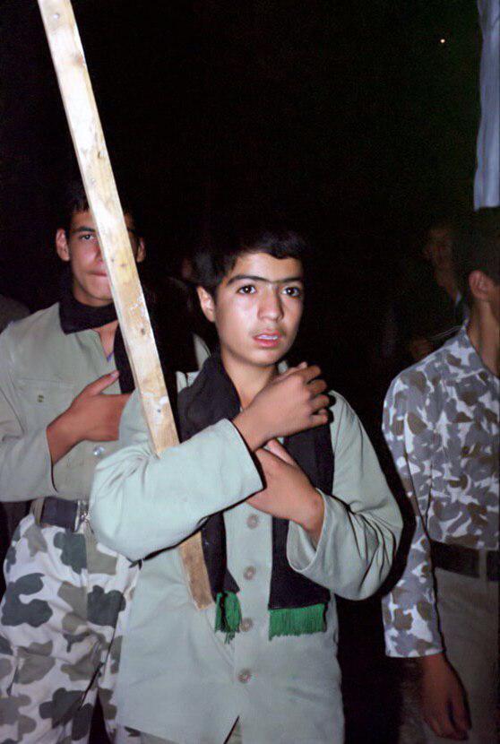 تصاویری از عزاداری رزمندگان در جبهه