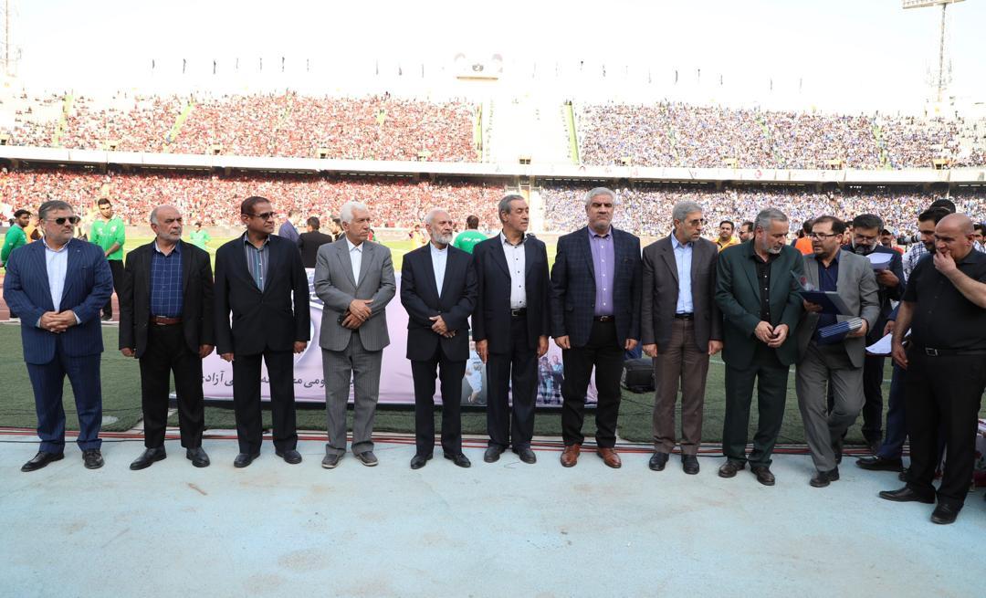 تجلیل از جانبازان هشت سال دفاع مقدس قبل از دربی تهران+ تصاویر
