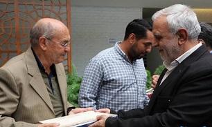 تجلیل مدیرکل حفظ آثار دفاع مقدس فارس از خانواده شهید فرانسوی دفاع مقدس