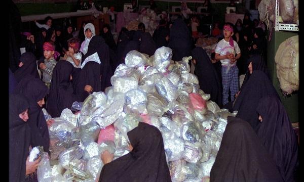 چادر مشکی هدیه درخواستی زنان خارجی بازدید کننده از ستاد پشتیبانی جنگ/ تنور گرم نانواییهای زنانه برای کمک به جبهه