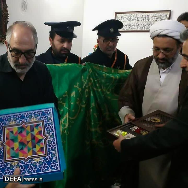 حضور خادمان حرم رضوی (ع) و حضرت معصومه (س) در منزل شهید «مرتضی ابراهیمی» + تصاویر