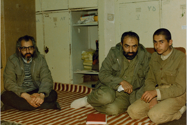 یادگاریهای محمد برای پدرم عزیز است/ هیچکس نتوانست مانع اعزام برادرم به جبهه شود