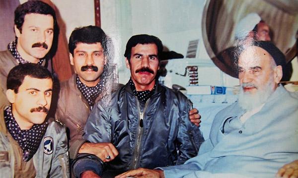 لبخند رضایت پیر جماران بعد از حماسه حمله به H3/ پیروزی بزرگی که سرآغاز فتوحات پیدرپی رزمندگان شد