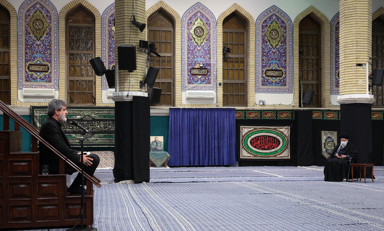 اولین شب مراسم عزاداری شهادت حضرت زهرا (س) در حسینیه امام خمینی (ره) برگزار شد