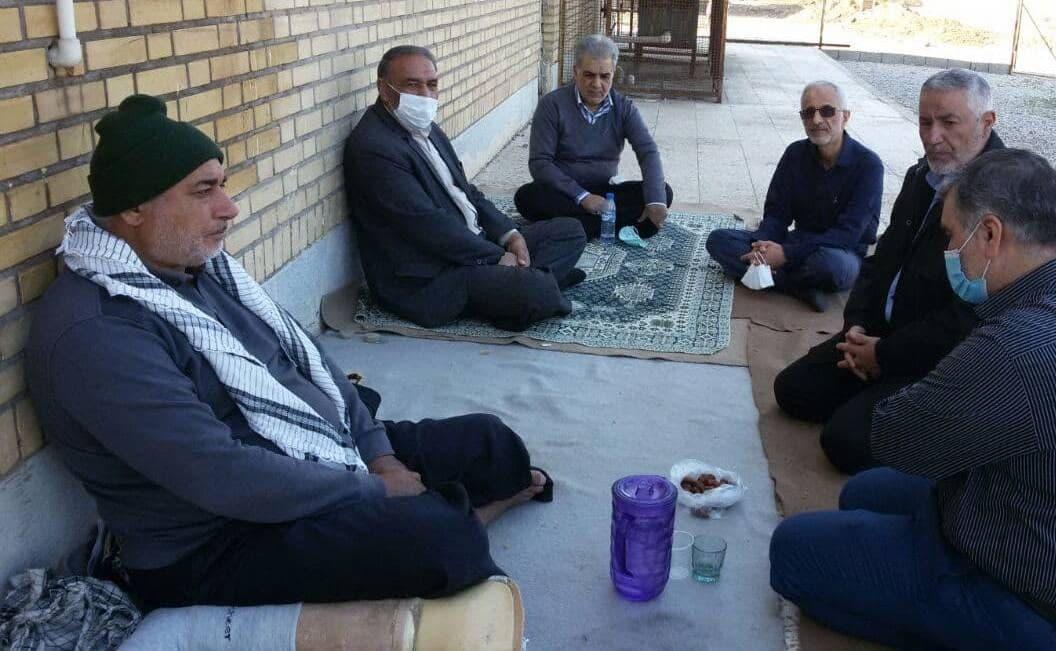 حاج یونس، مردی برای تمام فصول