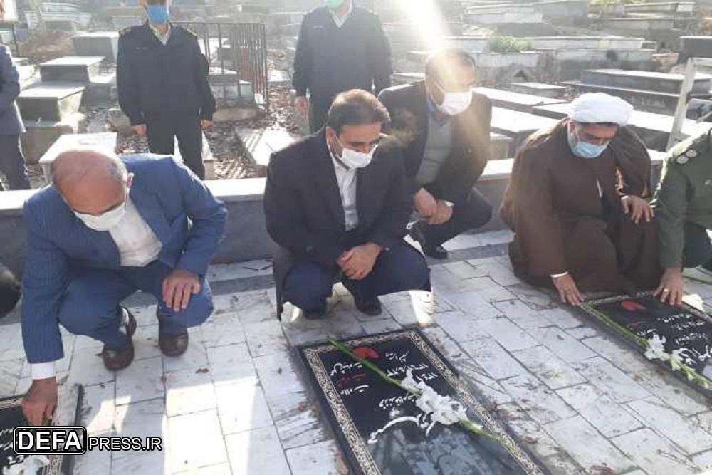 1228561 106 - عطرافشانی گلزار شهدای نکا به مناسبت دهه مبارک فجر