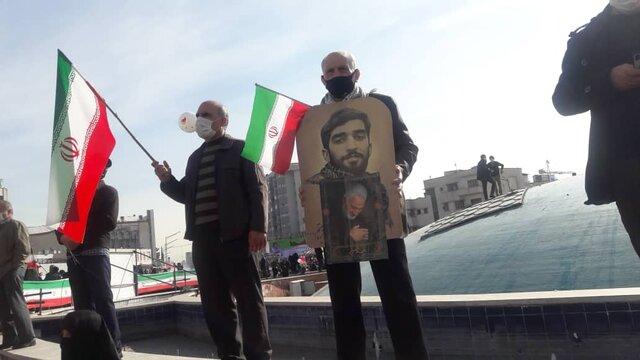نمایشی متفاوت از اقتدار ملت ایران در مراسم راهپیمایی/ موشکهای بالستیک سپاه در پایتخت به نمایش در آمدند