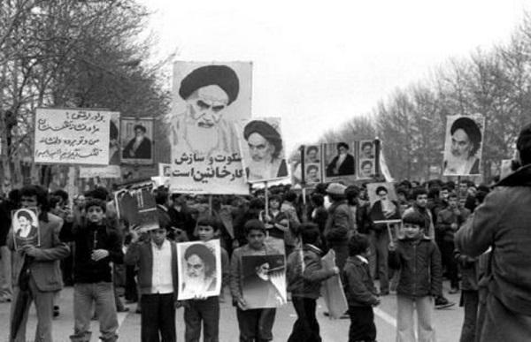 رمز پیروزی انقلاب اسلامی از منظر امام خمینی