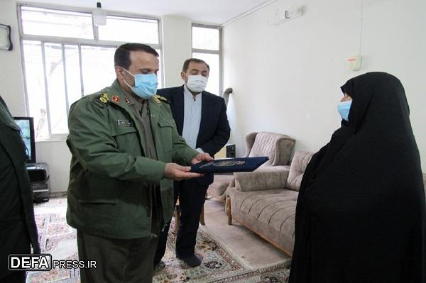 ضرورت تبیین نقش زنان در دفاع مقدس برای جوانان/ روحیه شهادتطلبی ملت ایران موجب عقبنشینی دشمن شده است