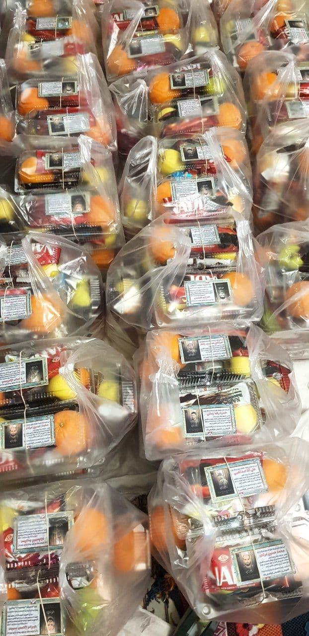 اهدای بسته خوراکی به بیماران کرونایی توسط همسران شهدای مدافع حرم