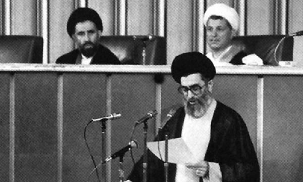 نظر علما درباره مرجعیت و رهبری امام خامنهای