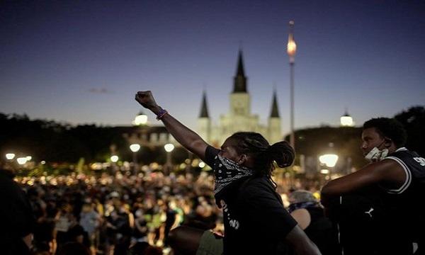 جنایتی که آتش زیر خاکستر قیام علیه نژادپرستی شد + تصاویر