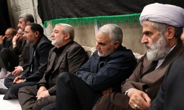 نوحه خوانی سردار سلیمانی در روستای پدری+ فیلم