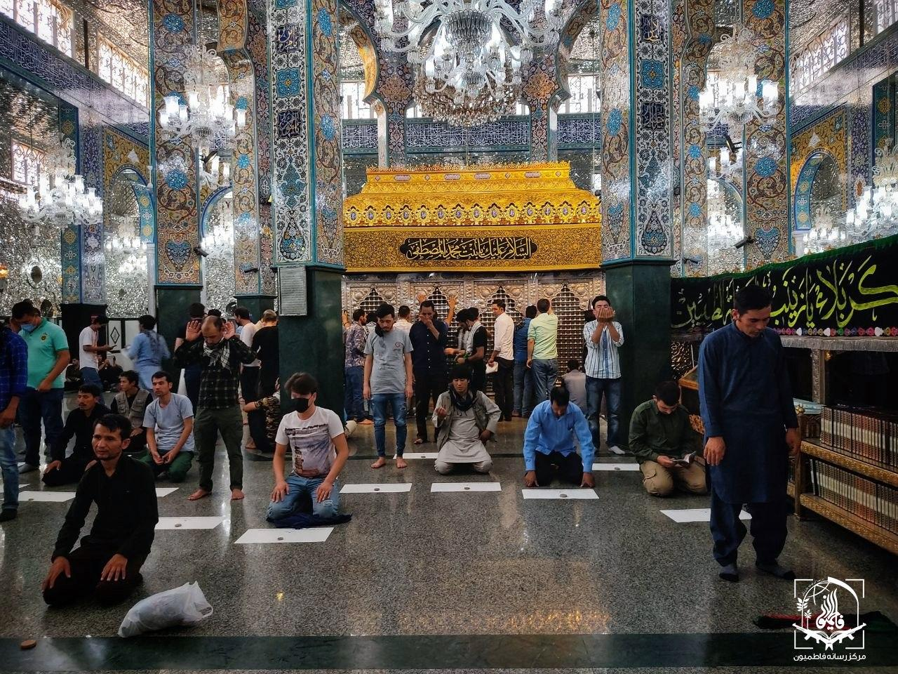 حال و هوای رزمندگان فاطمیون در نخستین ساعات بازگشایی حرم حضرت زینب (س)+ تصاویر