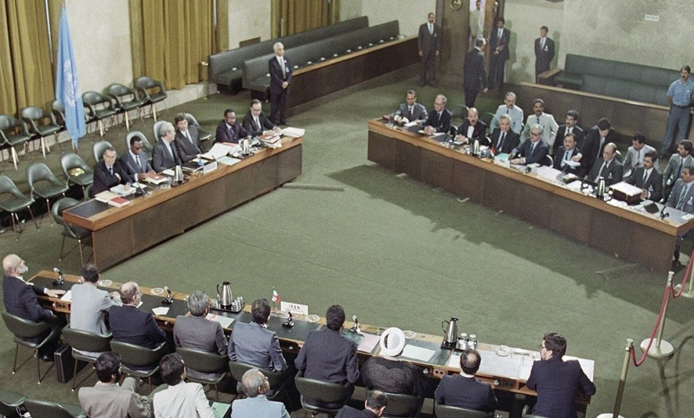 مذاکرات سه جانبه، عراق را مجبور به پذیرش آتش بس کرد