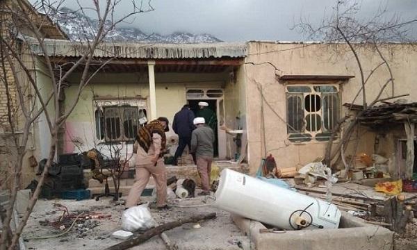 خادمی با چاشنی خانه سازی برای زلزله زدهها
