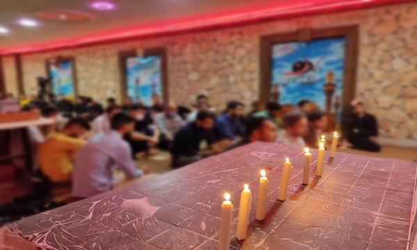 ختم قرآن رزمندگان فاطمیون به یاد شهدای دانش آموز مدرسه سیدالشهدا+ تصاویر