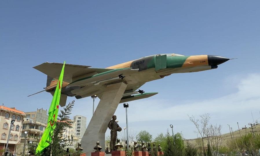 رونمایی از یادمان شهدای خلبان و فرمانده عملیات اچ ۳ در کرمانشاه