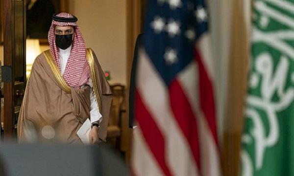 ریاض در سودای جایگزینی مسکو با واشنگتن/ عربستان خود را به چین نزدیک میکند