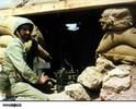 رزمنده بی سیم چی در سنگر های جنگ هشت سال دفاع مقدس